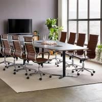 Møderum 1 med antracit konferencebord 320cm, 8 stole og kontorskab