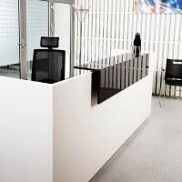Libra Receptionsskranke med hæve-sænkebord 260 cm hvid